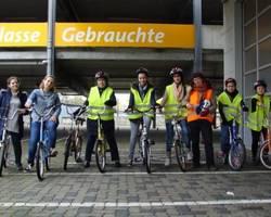 Menu: Fahrradkurs mit Flüchgtlingsfrauen