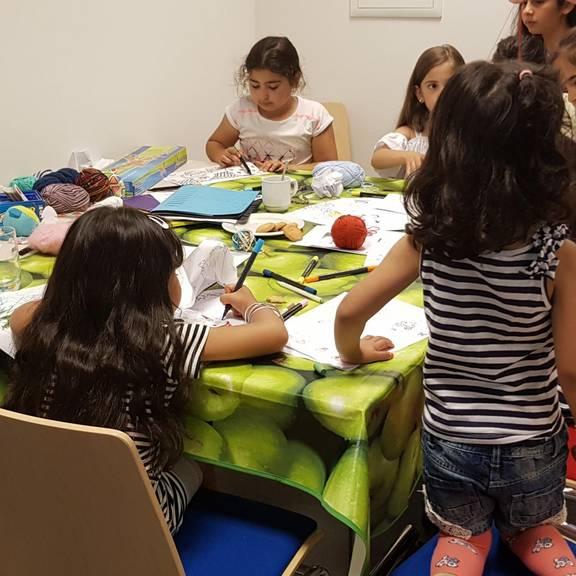 "Sommerfest des Projektes ""Nachbarschaft leben"" in der Flüchtlingsunterkunft an der Pestalozzistraße."